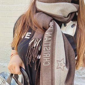 DIOR 100% wool shawl